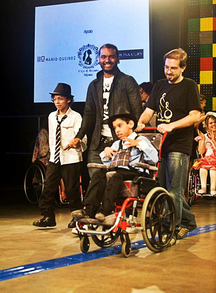moda inclusiva cadeirante masculino